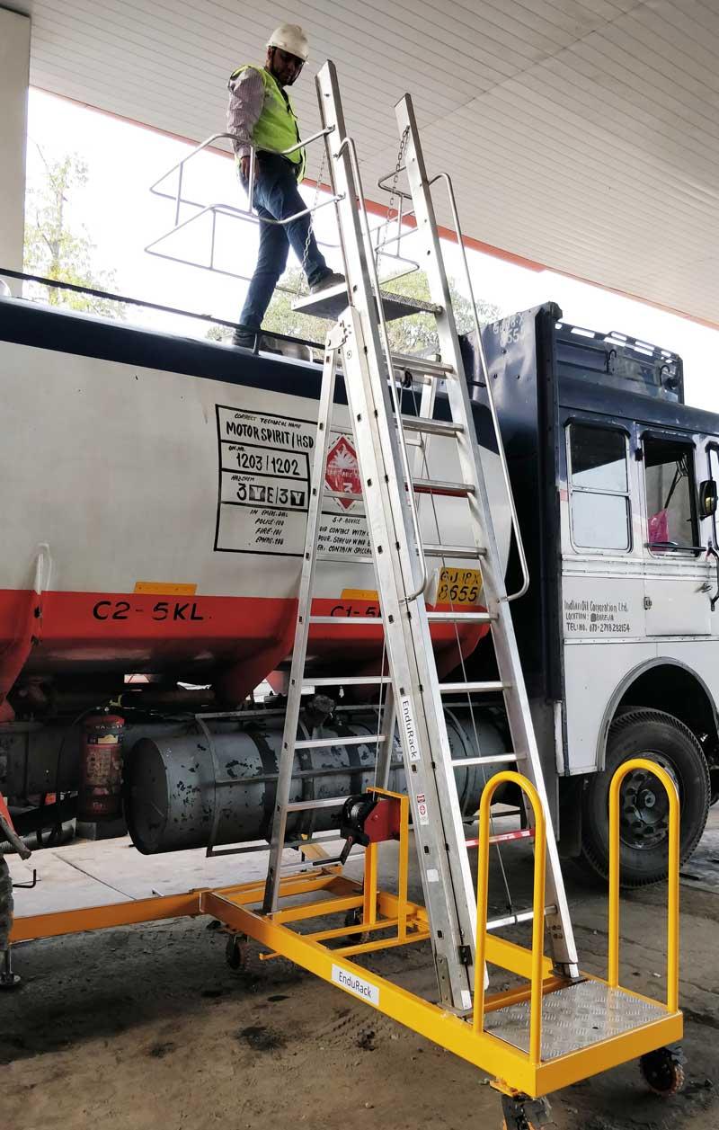 Rolling Truck Loading Platform Ladder