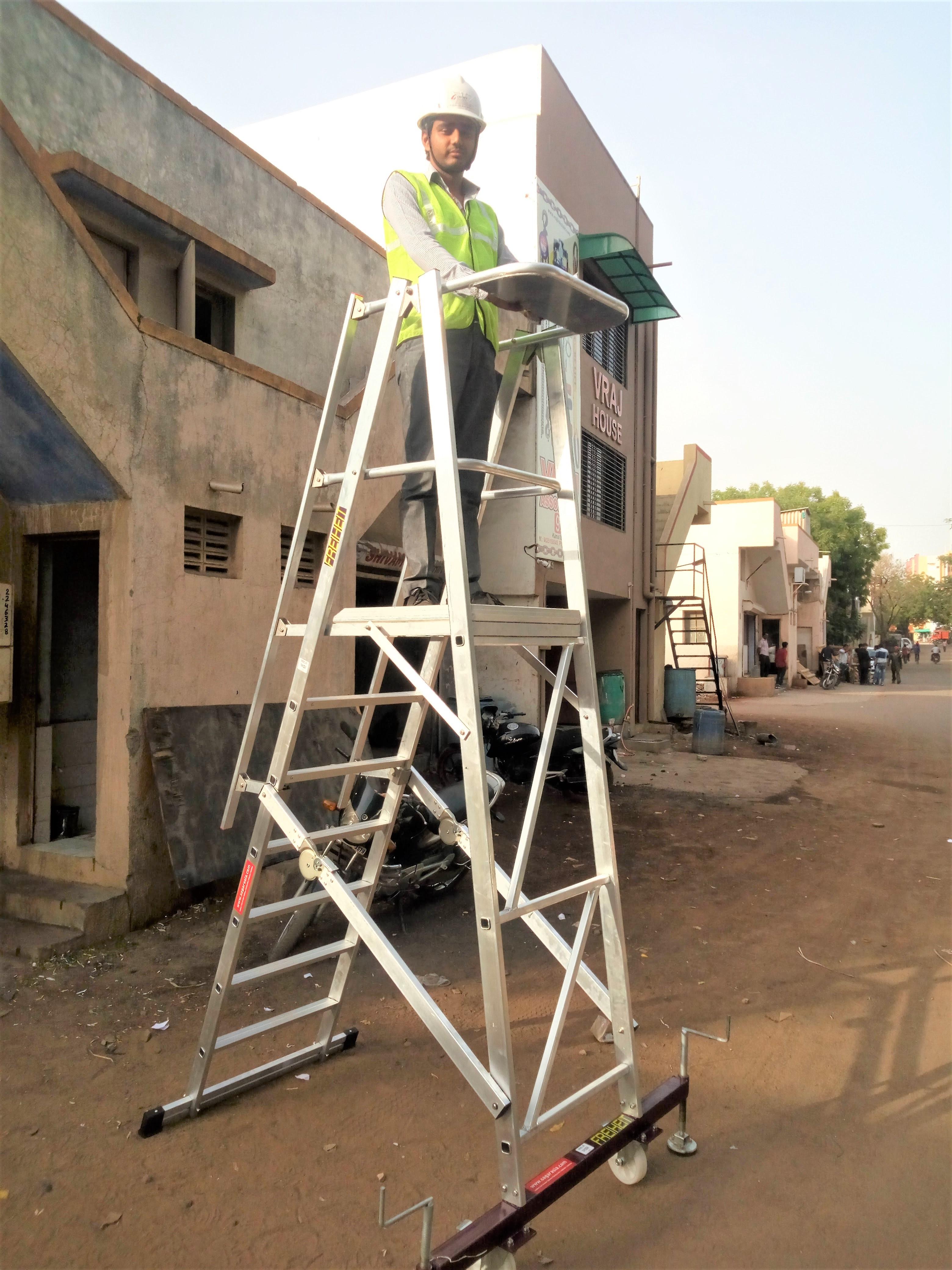 Folding platform ladder (Stocker_s Ladder)