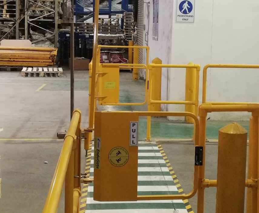 single side openable safety gates